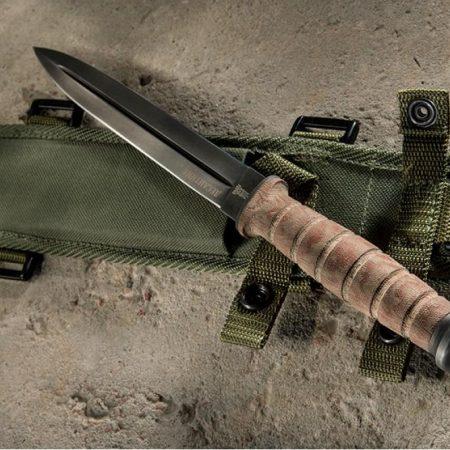 "Poignard de combat ""Paratrooper"" Zbroja - double tranchant"